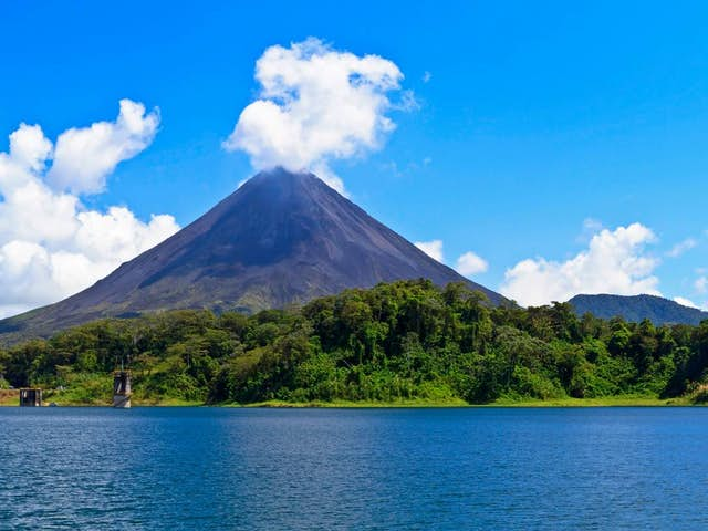 Tips for enjoying a boat trip on Arenal Lake