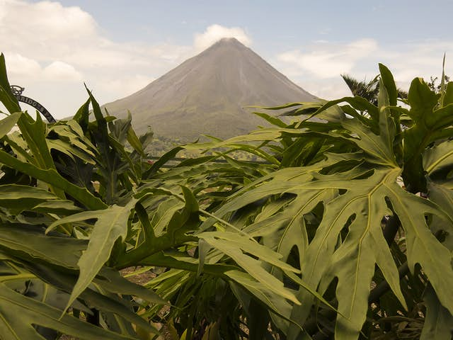 5 Volcanos in Costa Rica That Should Be in Your Travel Checklist
