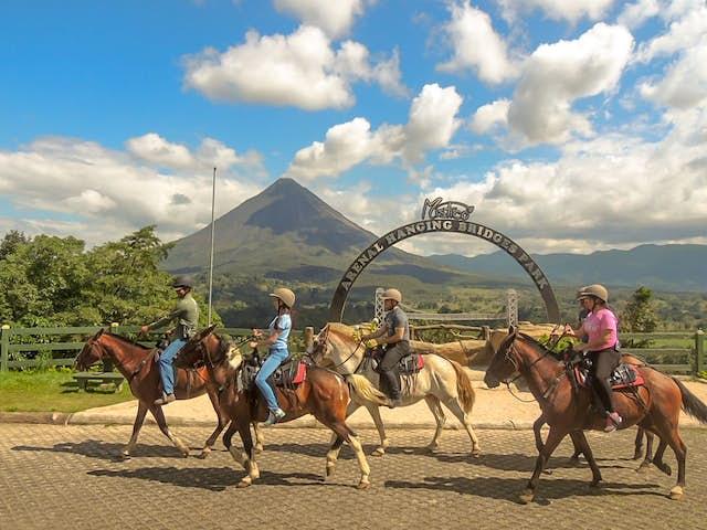 5 Tips to Enjoy Horseback Riding in Costa Rica