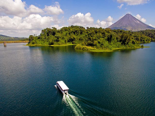 Why visit Arenal Lake in La Fortuna, Costa Rica?